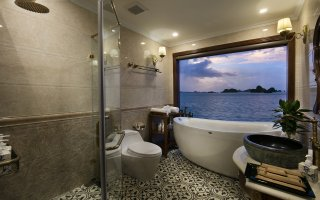Signature Suite Bathroom