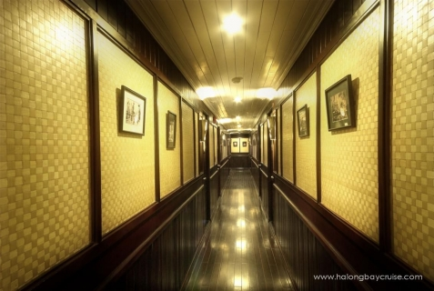 Halong-Bay-Bhaya-Cruises-Corridor