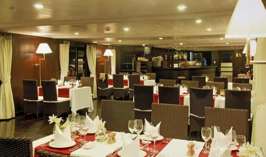 Halong-Bay-Dining-Room-2